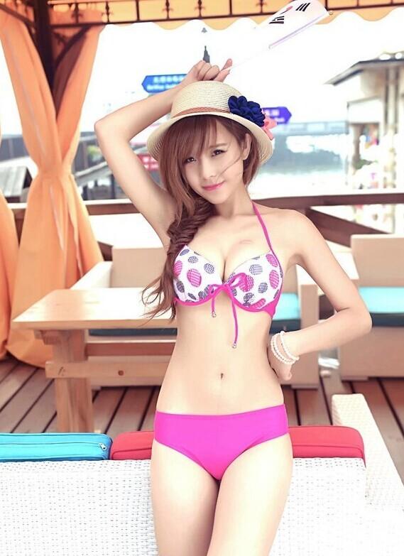 90模特美女石小喵喵泳装图片