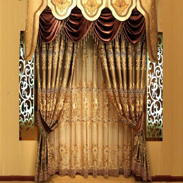 奢华典雅的设计及大气与优雅于一身,在水波帘头的装饰效果下,显示出