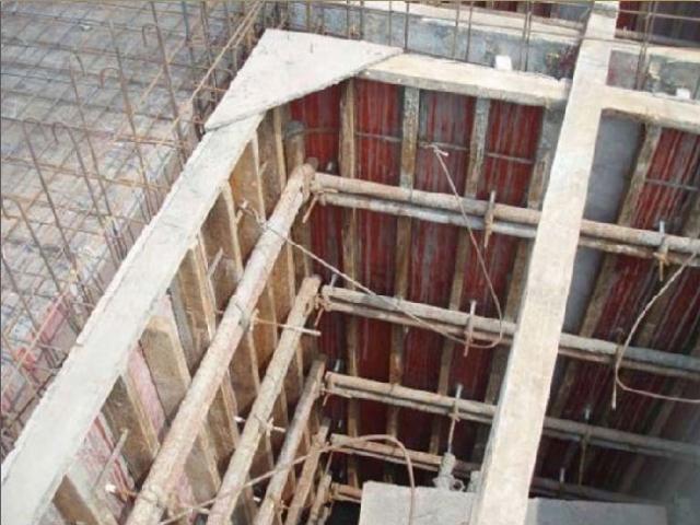 以确定楼梯结构施工标高
