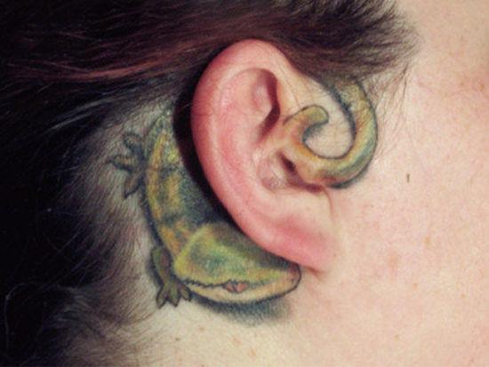 耳背后的性感小纹身